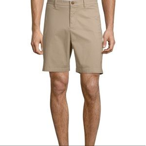 *Saks 5th Avenue 🚗 🔑 Khaki Shorts